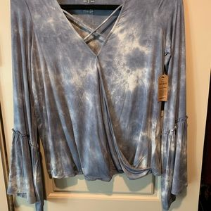 Extra soft and sexy tye dye top with flowy sleeves
